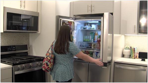 Demonstrating the Flexible Organization of the Whirlpool® Counter-Depth 4-Door Refrigerator